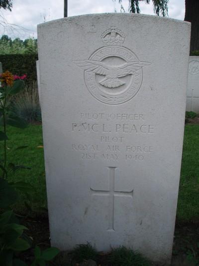 tombe aviateur RAF Peace Rumes Lysander