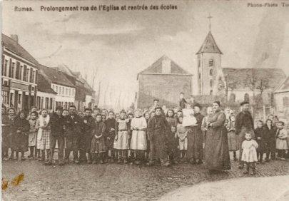 rentrée des écoles à Rumes vers 1900