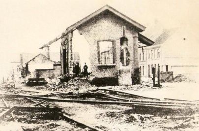 la gare de Rumes en octobre 1918 apres sa destruction par les Allemands